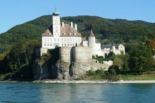 castle-schoenbuehel