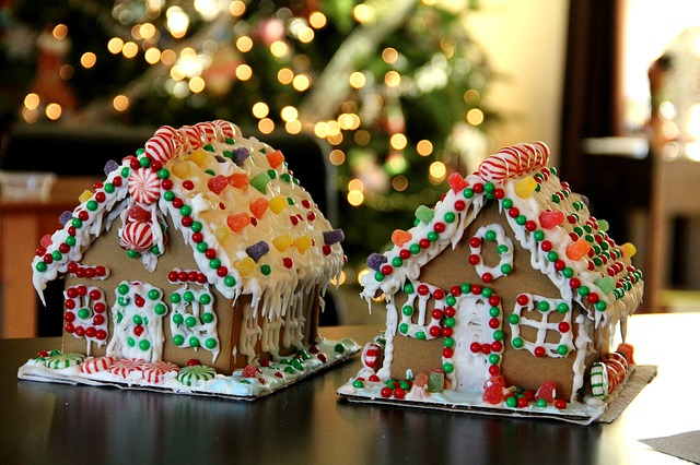 Get Creative This Time Of The Year Gingerbread House